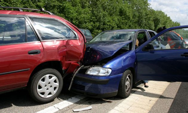 2 cars accident